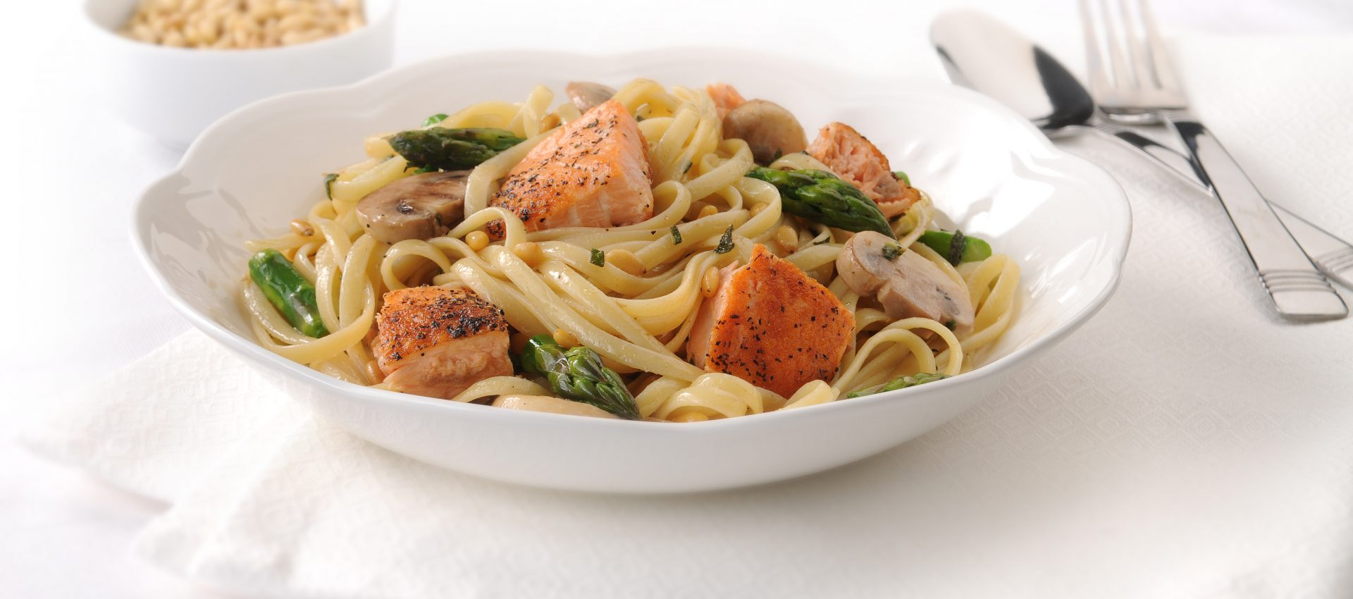 Linguine-with-Salmon-and-Asparagus-in-Brown-Butter-Sauce-1920x850 Linguine with Salmon and Asparagus in Brown Butter Sauce
